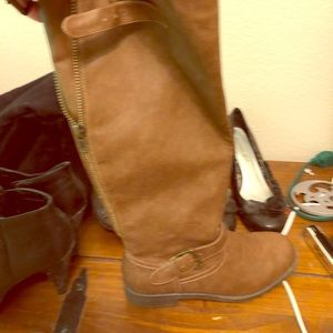 Tall brown boots zip up